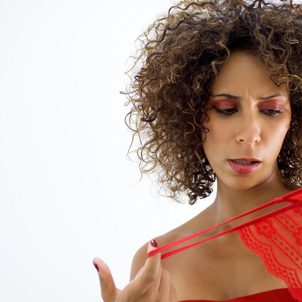 6 Kesalahan Wanita Saat Memakai Celana Dalam Menurut Pakar Kesehatan