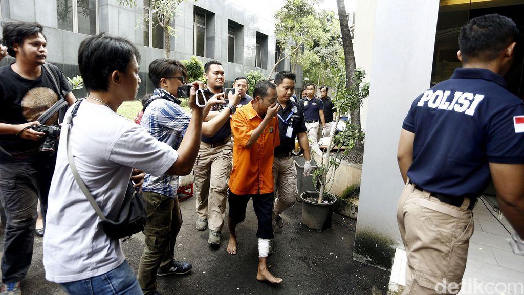 Syahril Pembunuh Alika di Hotel Elysta Digelandang ke Polda Metro Jaya