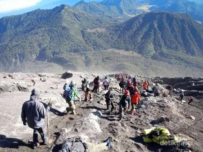 Naik Gunung Usai Lebaran Ini, Coba ke Semeru