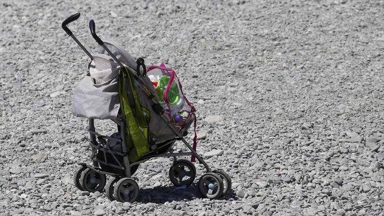 Bikin Terenyuh! Cerita Ayah Dorong Stroller Kosong Saat Maraton (Foto: REUTERS/Pascal Rossignol)