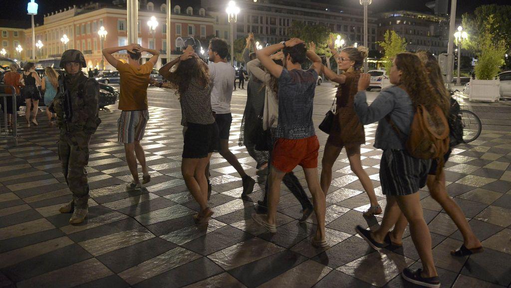 80 Orang Tewas di Nice, Saksi Mata: Orang-orang Ditabrak Seperti Pin Boling