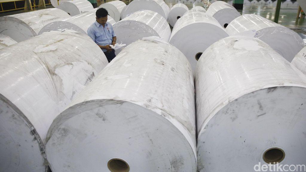 Melihat Produksi Kertas di Indah Kiat Pulp and Paper
