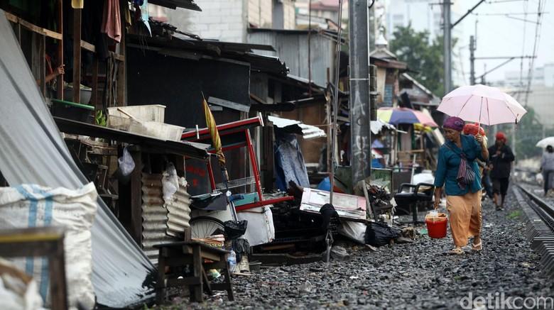 Orang Miskin di RI Tambah Banyak, Ini Penyebabnya