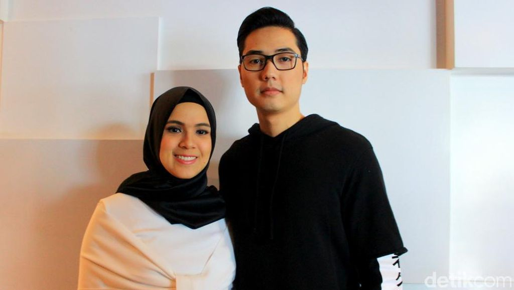 Rizky Kinos dan Nycta Gina Rayakan Ultah Pertama Anaknya di Pesantren