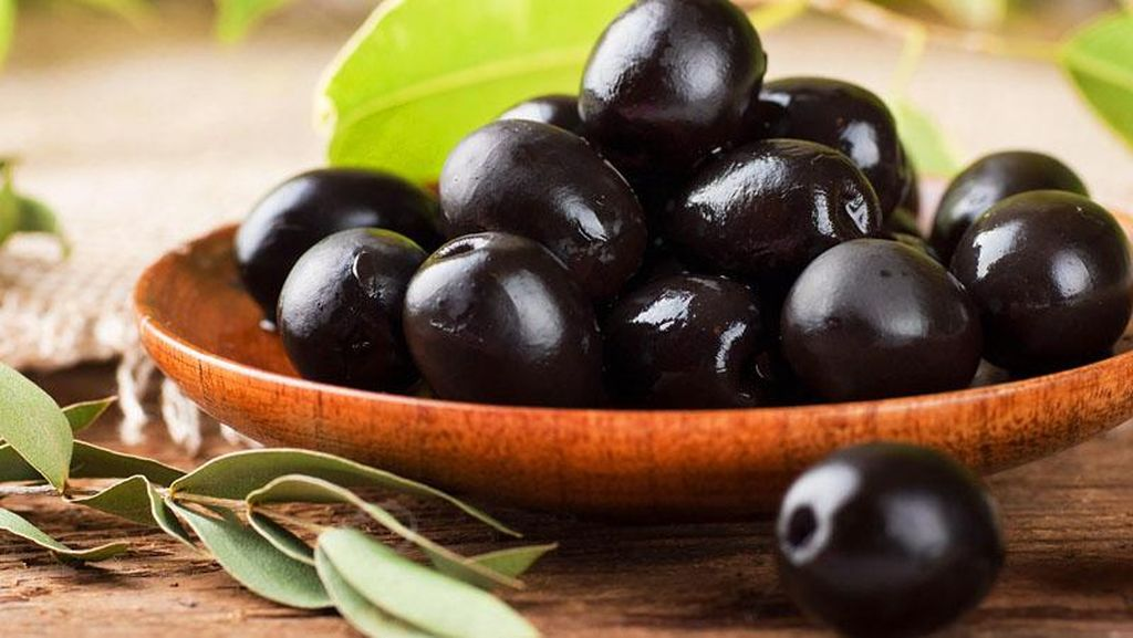 Pasang Tulisan Black Olives Matter, Restoran Ini Kebanjiran Order