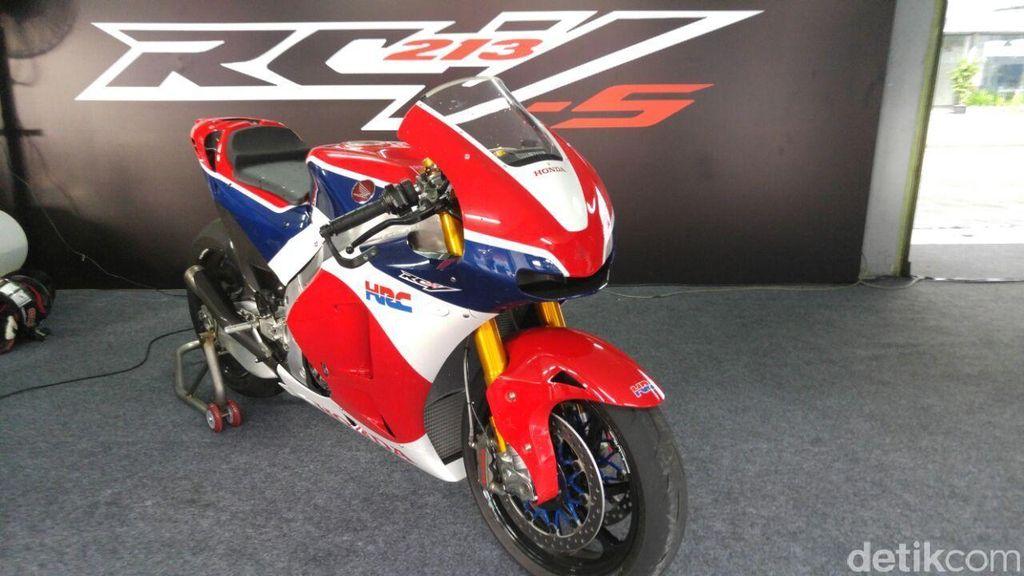 Menjajal Si Buas Honda RC213V-S