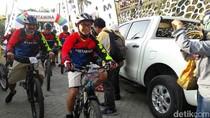 Bos Pertamina Refleksi Sejarah Migas RI Sambil Bersepeda