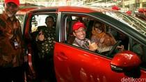 Line Off Ceremony Toyota Sienta