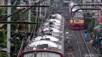 Jalur Rel Terendam, Sejumlah Perjalanan KRL Sempat Terganggu