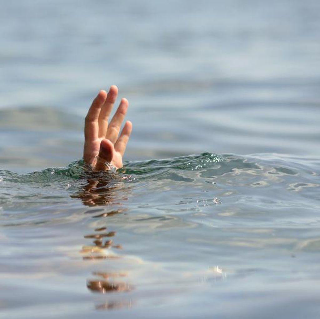 6 Wisatawan Terseret Ombak Pantai Paping Blok Tasikmalaya