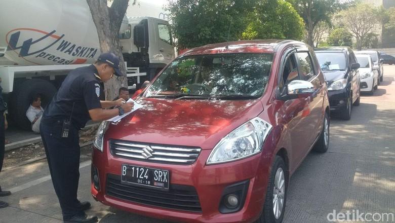 Ombudsman: Tarif Taksi Online Naik untuk Keselamatan