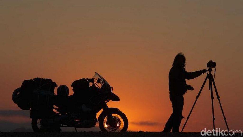 Berkendara dengan Motor ke Penjuru Dunia Selama 30 Tahun