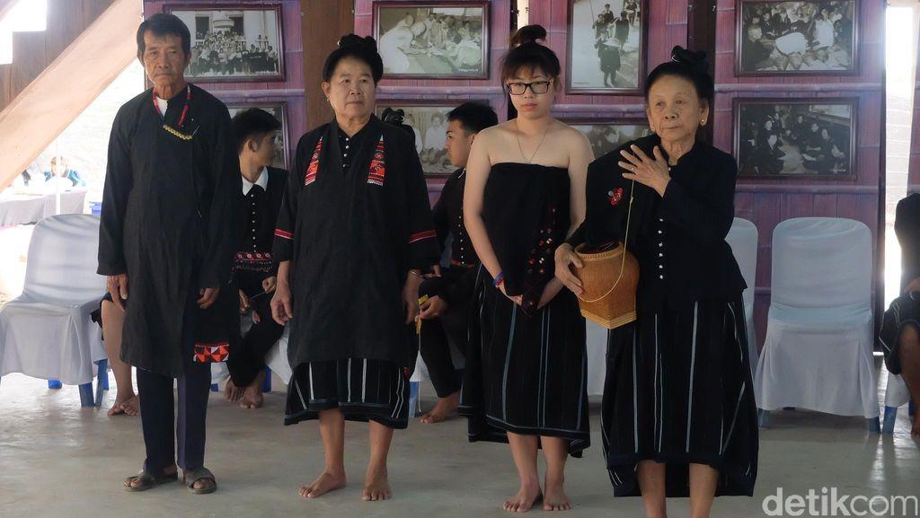 Foto: Keunikan Suku di Thailand, Berbaju Hitam Hingga Cari Jodoh dengan Main