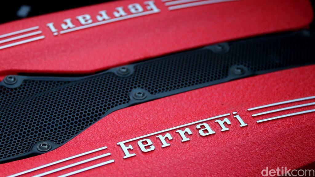 Pencuri Ferrari Ketangkap Saat Isi Bensin