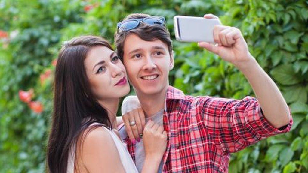 Warning! Ini Akibat yang Bisa Terjadi Bila Pamer Kemesraan di Media Sosial