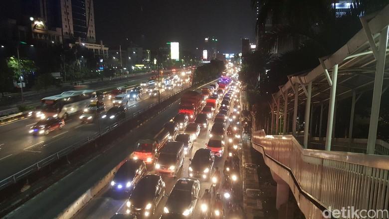 Buruknya Integrasi Transportasi Publik di Jakarta