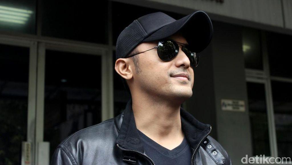 Artis Hengky Kurniawan Daftar Pilbup Bandung Barat Lewat Demokrat