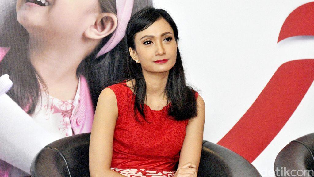 Artika Sari Devi ke Minimarket Pakai Daster dan Sandal Jepit
