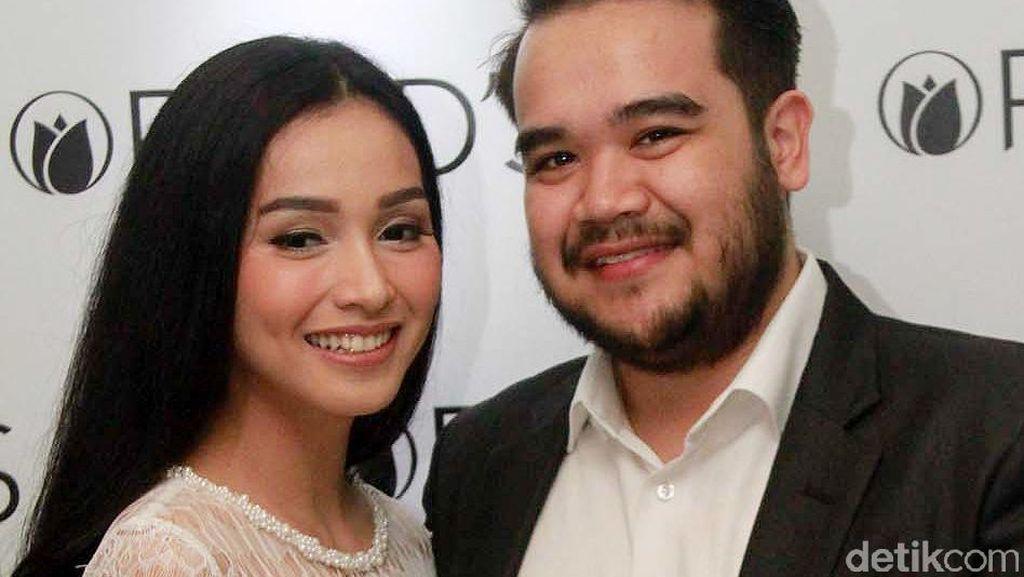 Di Malaysia, Tya Arifin Sibuk Silaturahmi ke Keluarga Suami