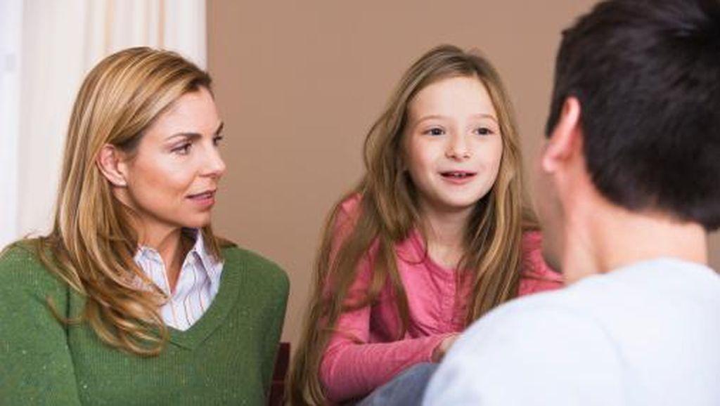 Ketika Orang Tua Tak Sadar Ajari Anak Berbohong Demi Kebaikan