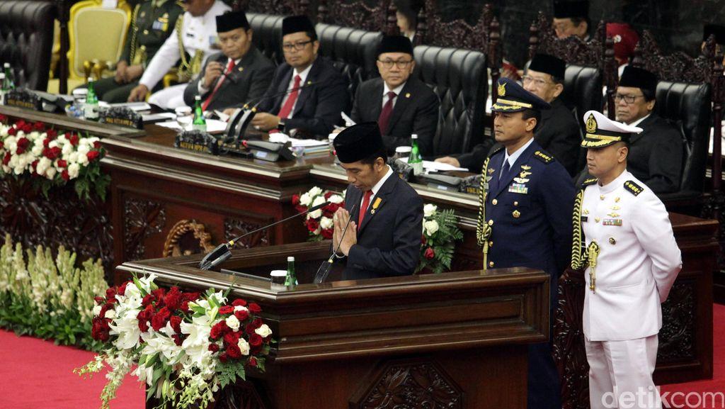 Jokowi: Pembangunan Kereta Tidak Hanya di Pulau Jawa