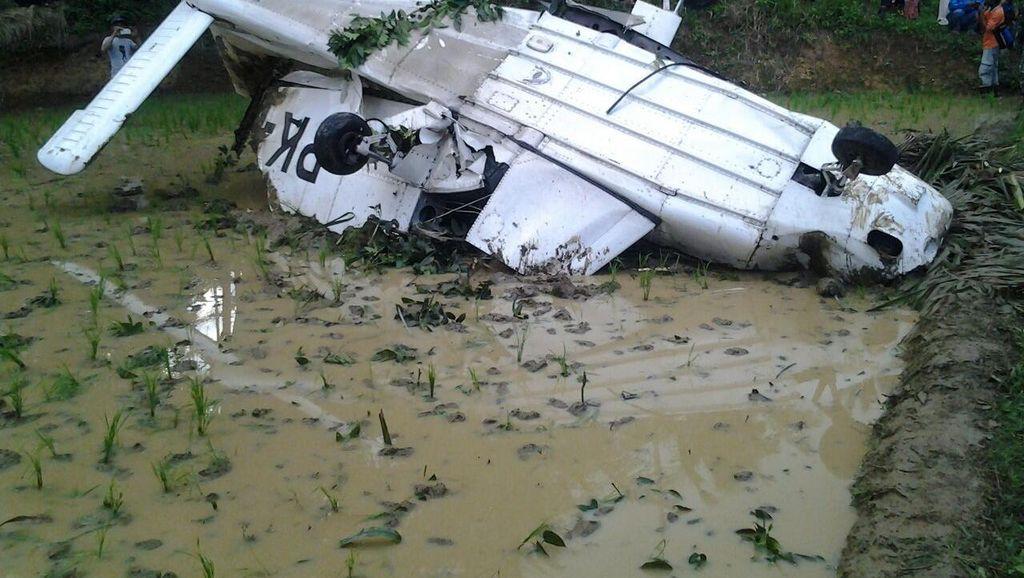 Polisi: Pesawat Alami  Gangguan Mesin, Lalu Mendarat Darurat di Sawah