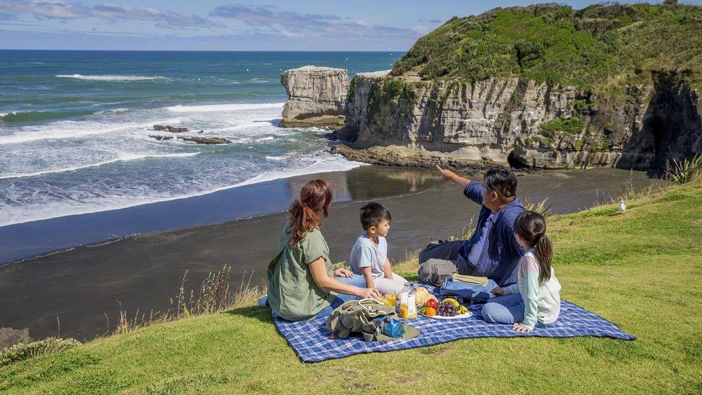 Kemenpar Siap Jaring Wisman di Farmers Santa Parade, Selandia Baru