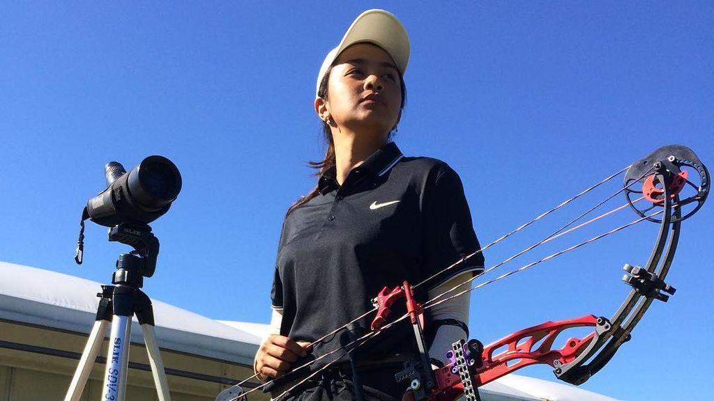 Dellie Threesyadinda, Atlet Panahan Cantik yang Berprestasi di Asia