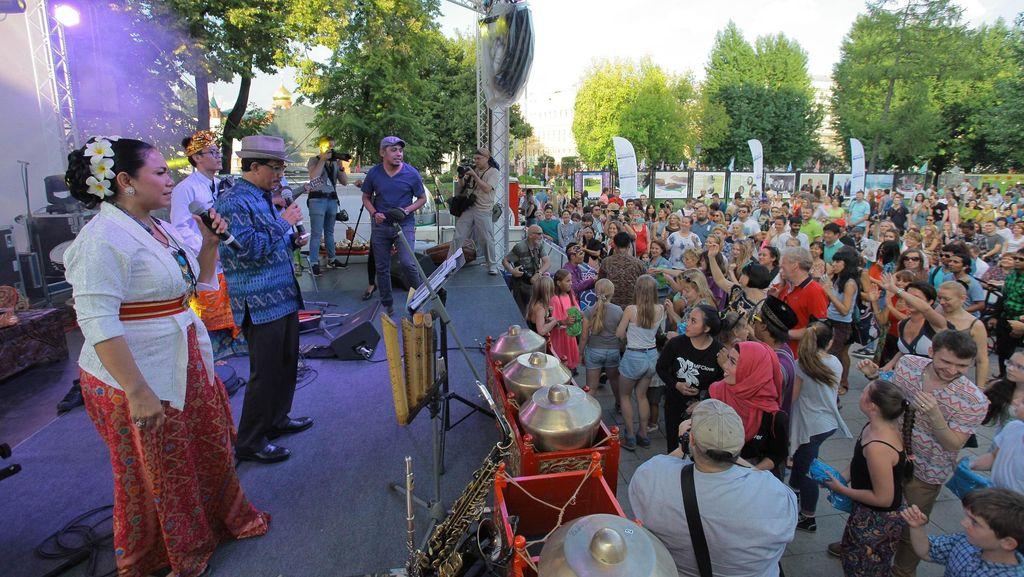 Dangdut Sampai Poco-poco Goyang Festival Indonesia di Moskow