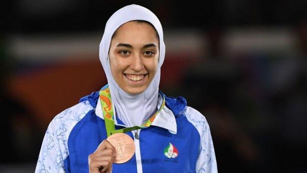 Cetak Sejarah, Pertamakalinya Hijabers Iran Raih Medali di Olimpiade
