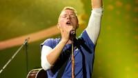 7 Lagu yang Harus Dihapal Sebelum Nonton Konser Coldplay