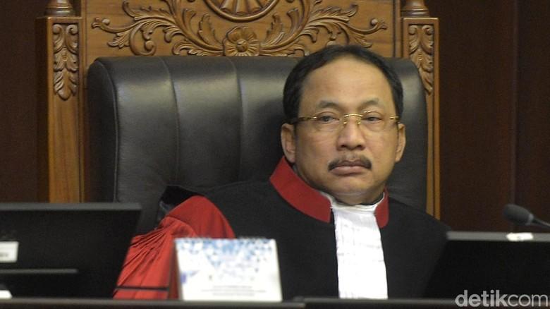Hakim Konstitusi Suhartoyo: Perppu Ormas Lahir dari Kegentingan
