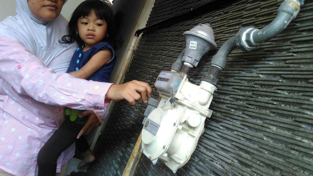 PGN Pasok Gas Rumah Tangga di Desa Tropodo Sidoarjo