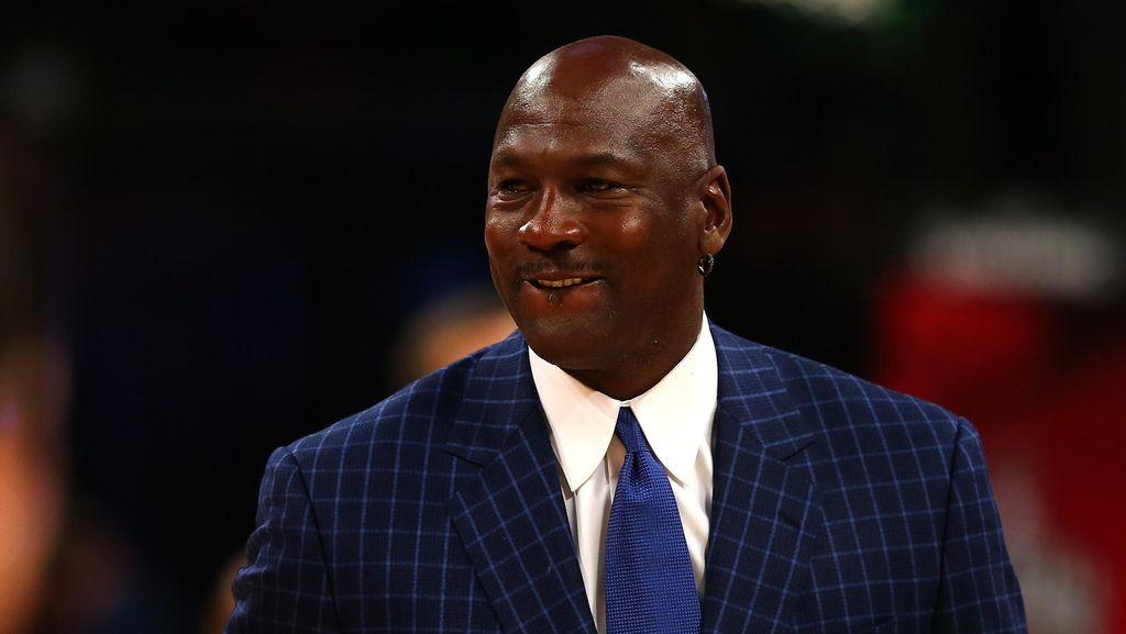 Sudah Pensiun, Michael Jordan Masuk Daftar Orang Terkaya Dunia