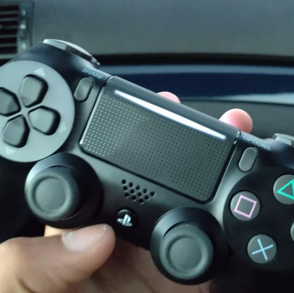 Duh! Kontroler PS4 Ternyata Pakai Teknologi Lawas