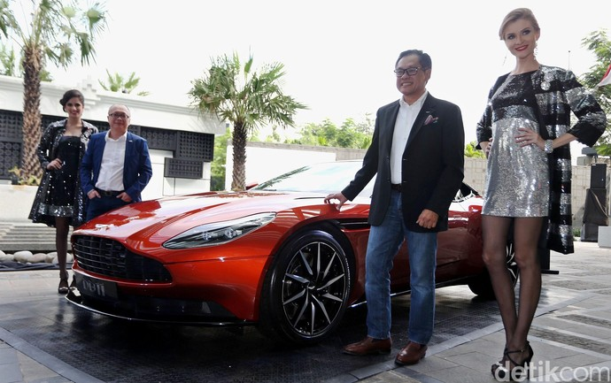 Aston Martin DB11 Sapa Jakarta