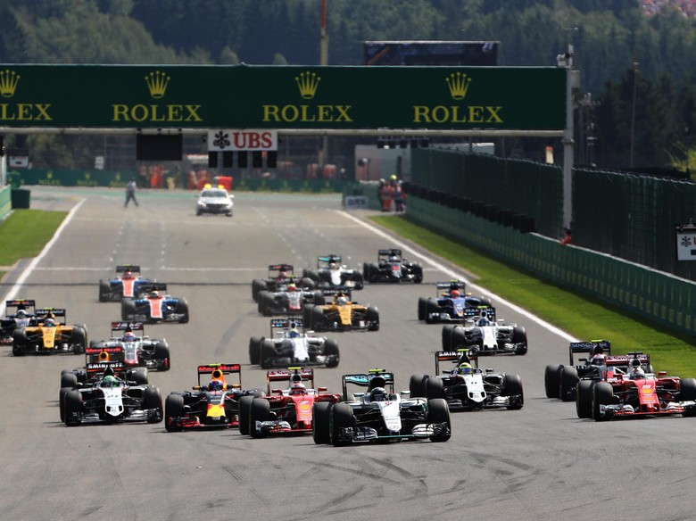 Rosberg Menangi GP Belgia yang Penuh Insiden di Awal Balapan