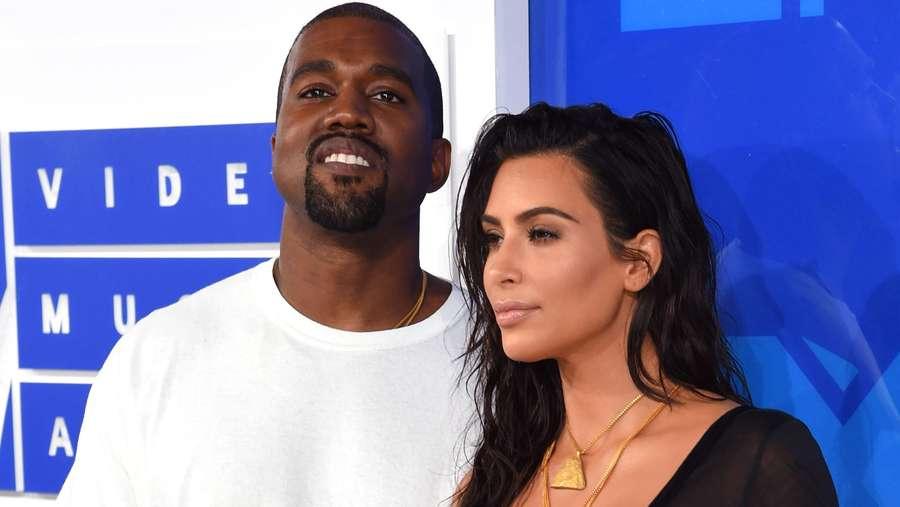 Mesranya Kim Kardashian dan Kanye West di MTV VMA 2016