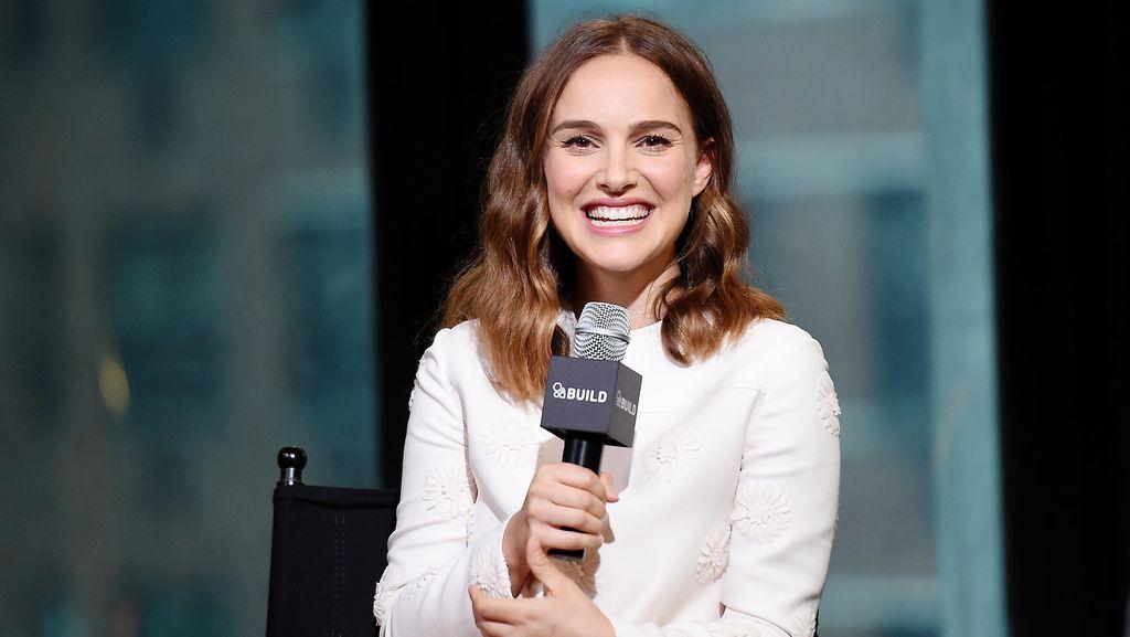 Natalie Portman Curhat Digaji 3x Lebih Kecil, Ini Kata Ashton Kutcher