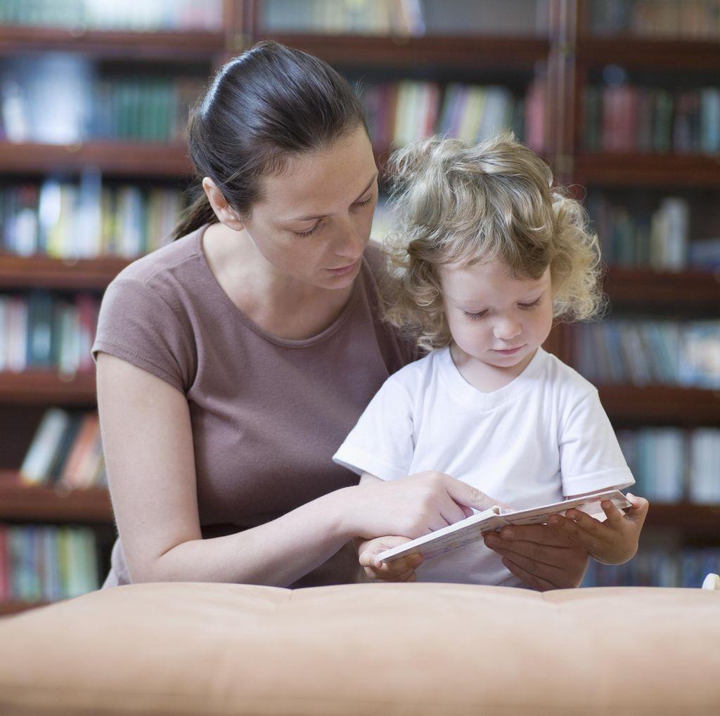 Ajarkan Bahasa Asing Sejak Dini pada Anak, Boleh Tidak Ya?