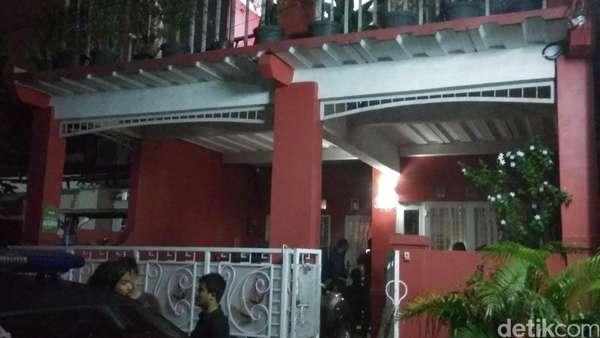 Pelaku Perampokan Pondok Indah Dibawa ke Rumahnya di Tangerang
