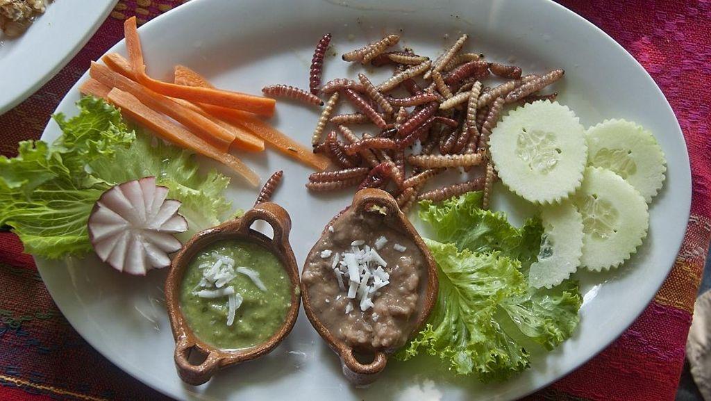 Cacing Goreng hingga Tahu Darah, Makanan Unik di Meksiko dan China yang Tak Lazim (2)