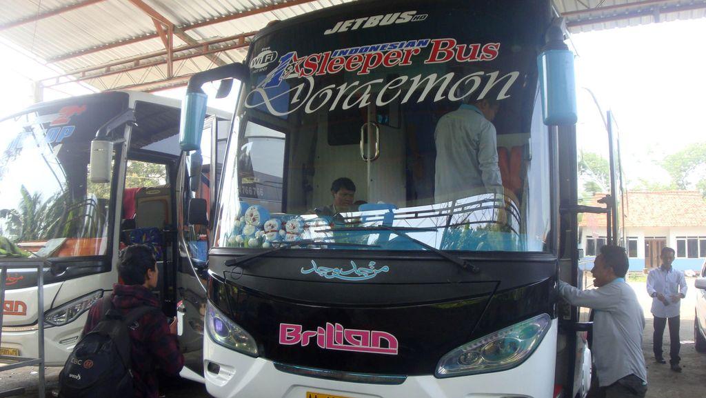 Ini Dia Sleeper Bus Pertama di Indonesia yang Viral di Medsos