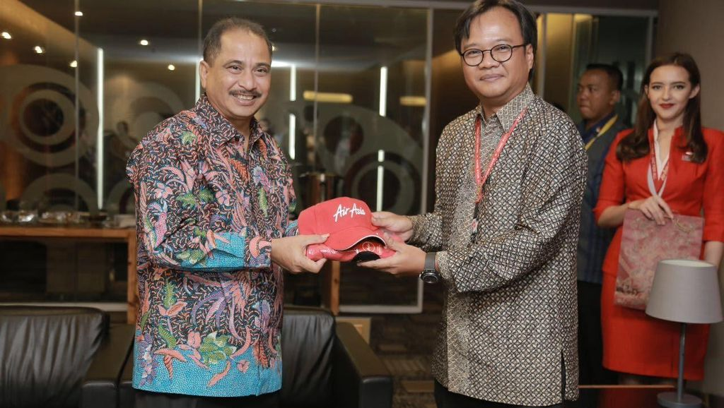 Menpar Kunjungi Bos-bos Maskapai, Perkuat Akses Penerbangan ke Indonesia