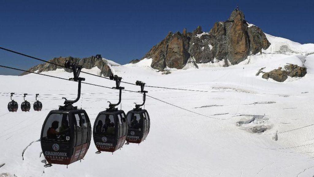 Semalaman Terjebak di Kereta Gantung di Alpen, 33 Orang Telah Diselamatkan