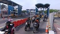 Puluhan Ribu Kendaraan Toron Lewat Tol Jembatan Suramadu