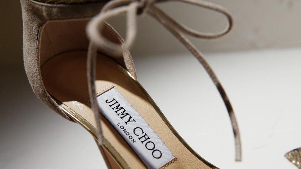 Label Sepatu Jimmy Choo Dipidanakan oleh Pendirinya Sendiri