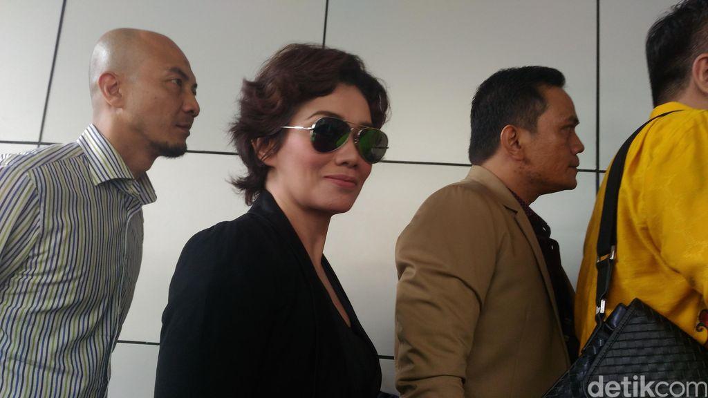 Reza Artamevia Juga akan Diperiksa Terkait Dugaan Pencabulan Gatot