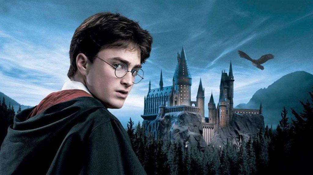 Twitter dan Facebook Rayakan #HarryPotter20