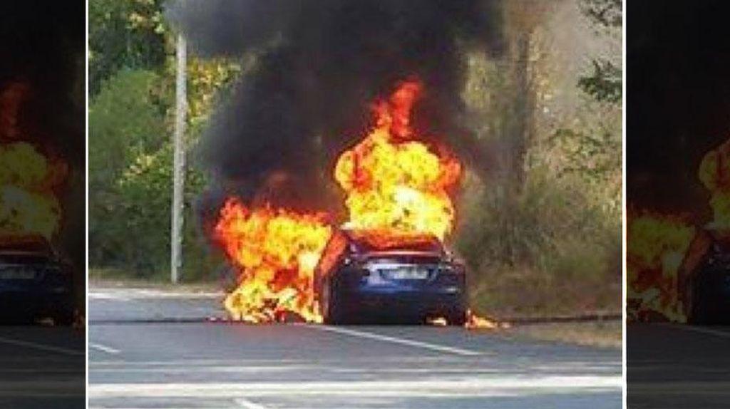 Tesla Model S Kembali Terbakar
